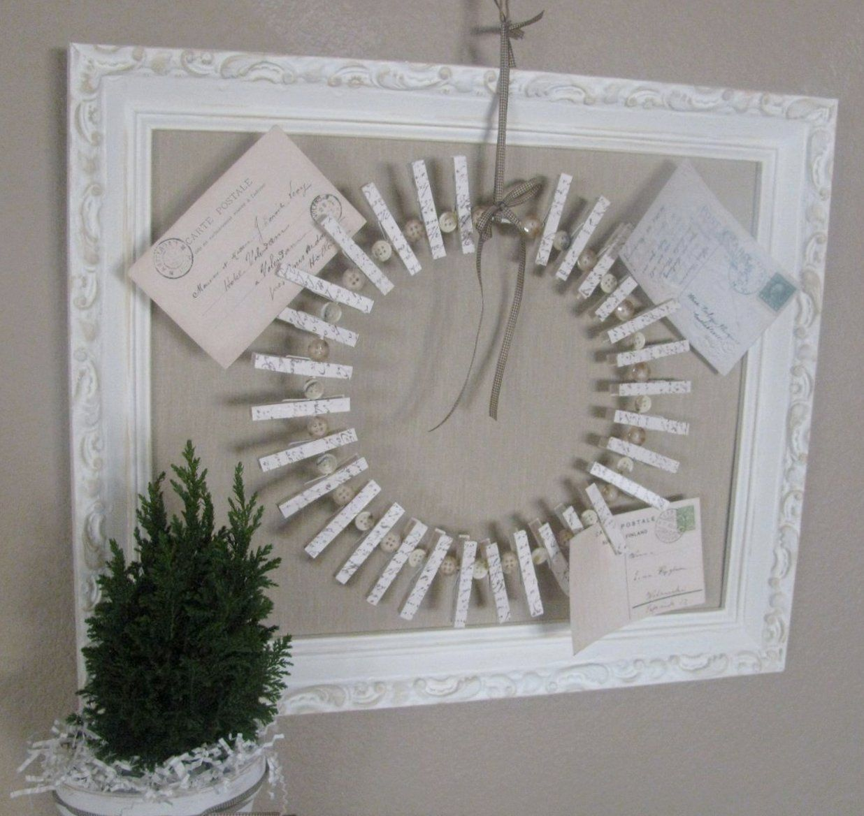 Marvelous DIY: How To Make A Card Wreath Holder   Buttons And Painted Clothespins  Glued To
