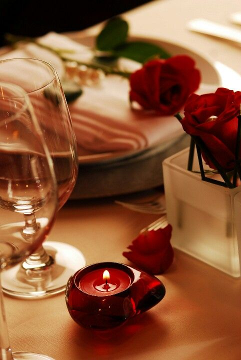 Romantic Dinner For Two Recipes: Romantic Dinner - Roses As A Timeless Decor Accent