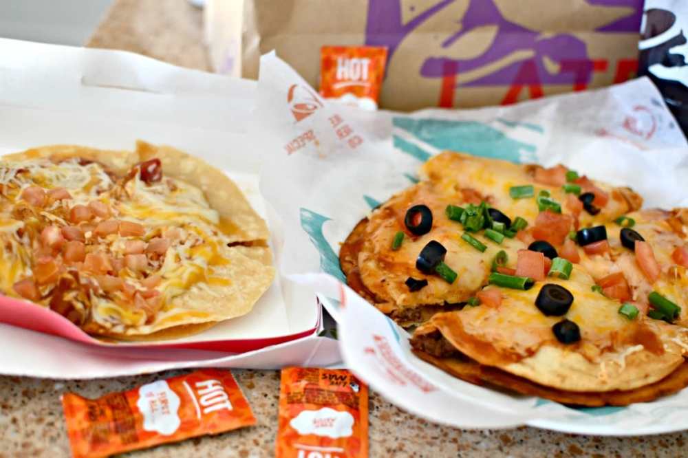 Copycat Taco Bell Mexican Pizza Easy Dinner Idea (With