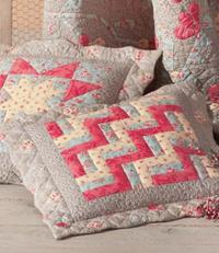 modele gratuit tuto patchwork coussin coussins trio edisaxe editions de saxe patch pinterest. Black Bedroom Furniture Sets. Home Design Ideas