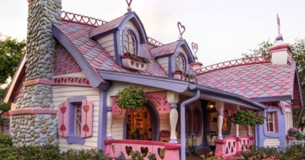Perfectly Pink Pastel House   Unusual homes, Cute small ...