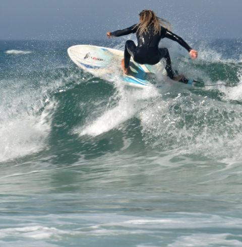 Summer's here and the time is right for learning how to surf - via Salt of Portugal @SaltOfPortugal #travel