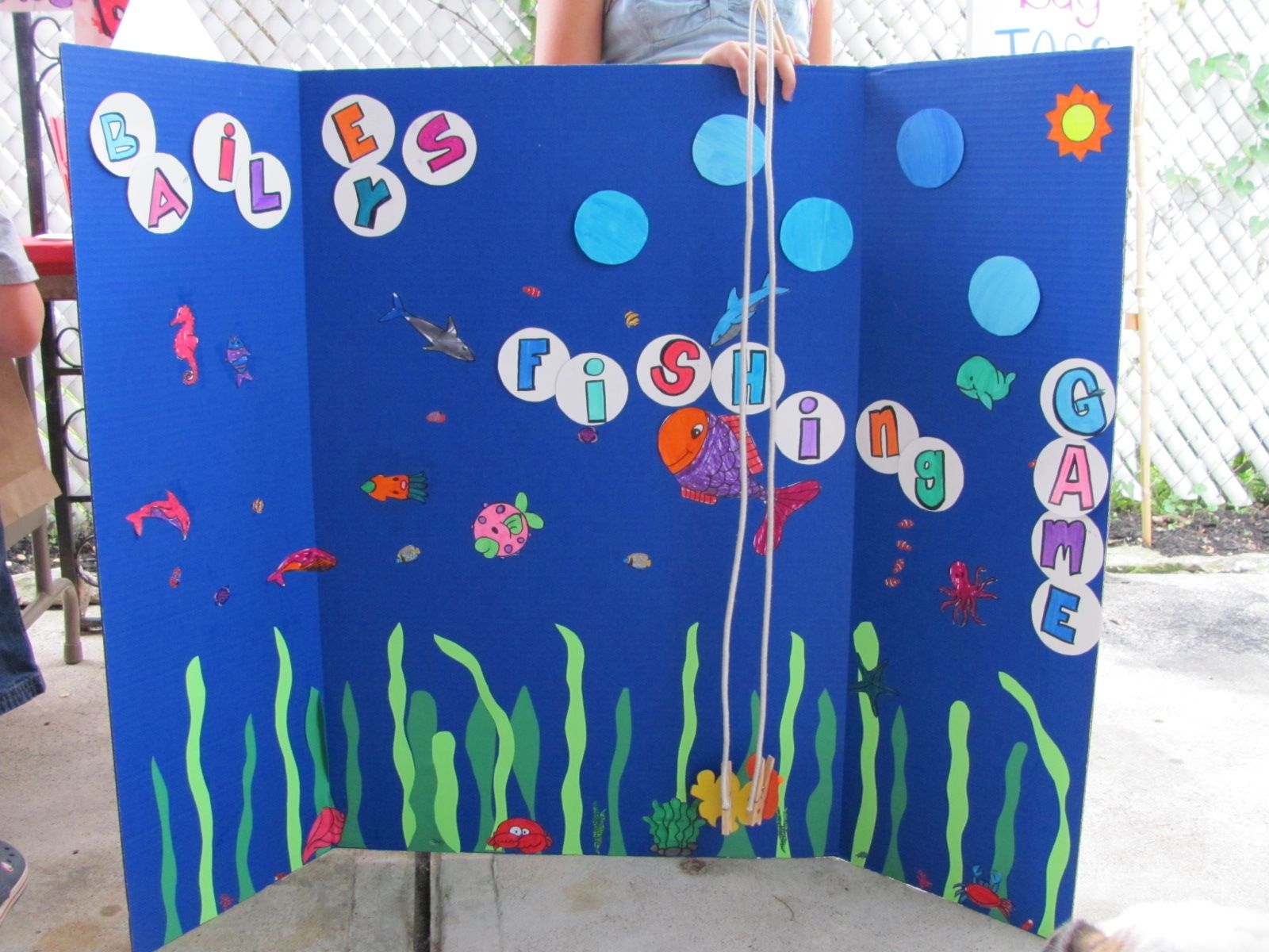 Tri Fold Poster Board In Blue I Cut Out Circles To Look Like Bubbles With Her Name On It Dow Rods Rope And Clothes Pins
