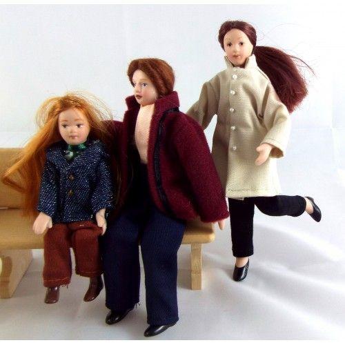 Dolls House Modern Summer Family Miniature Porcelain People Figures Set of 5
