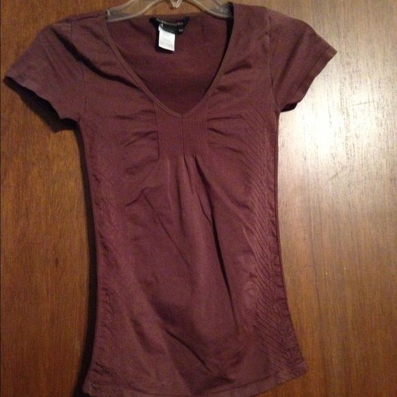 BCBG Maxazaria XS Brown Top Priced to sell quickly! Bundle and save even more money!! BCBGMaxAzria Tops Tees - Short Sleeve