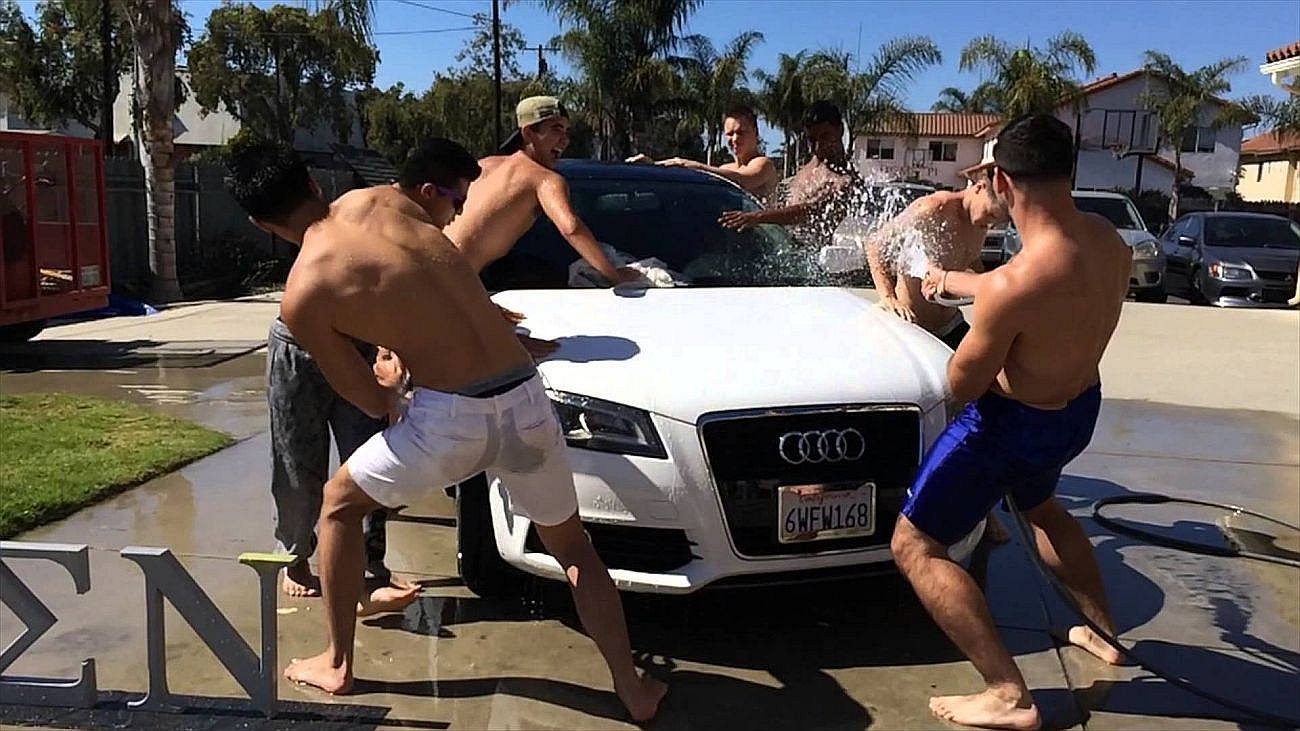 Fraternity Car Wash Fraternities Boys Shirtless Men College Boys