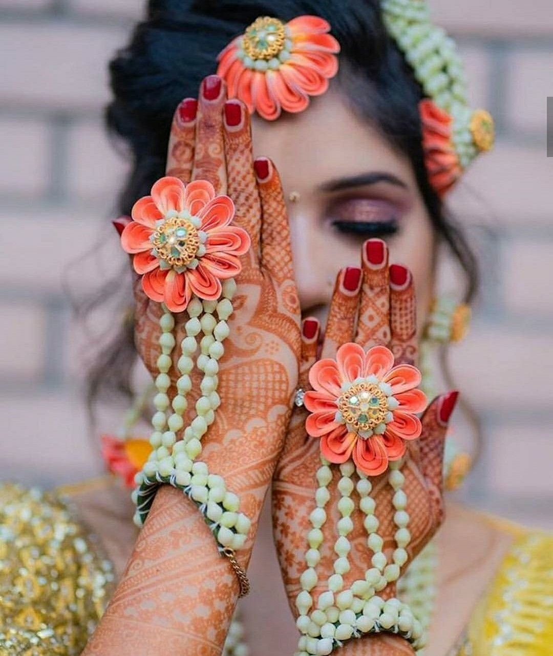 Pin by Aria Desai on floral Flower jewellery for haldi
