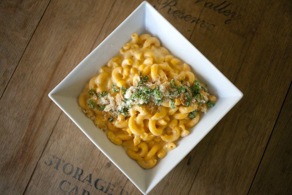 Butternut Mac-n-Cheese: Well's Vegetarian Thanksgiving