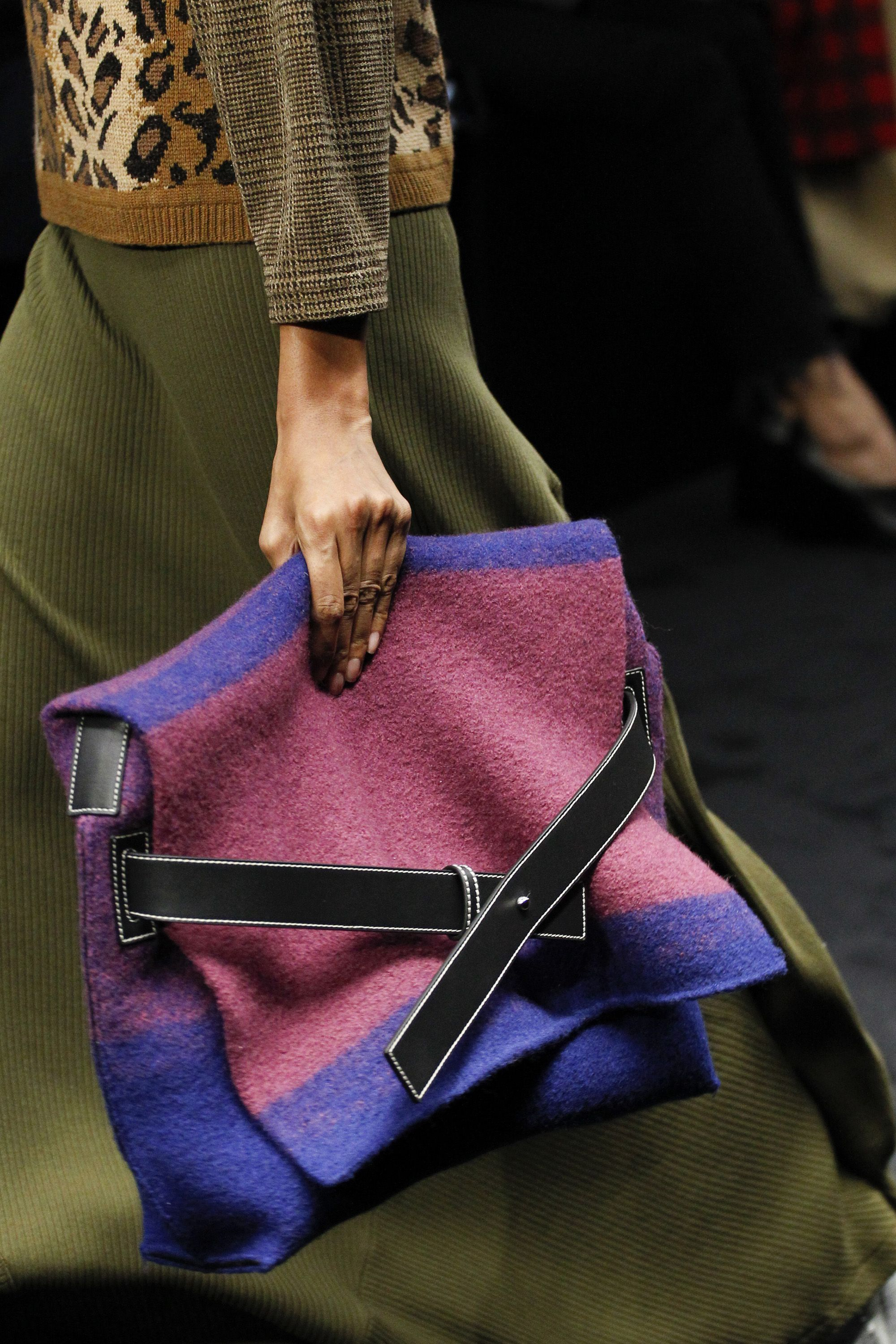 Loewe Autumn Winter 2017 Ready To Wear Details Women S Accessories Bags Leather Suede Fashion Designer Crossbody Totes Tote