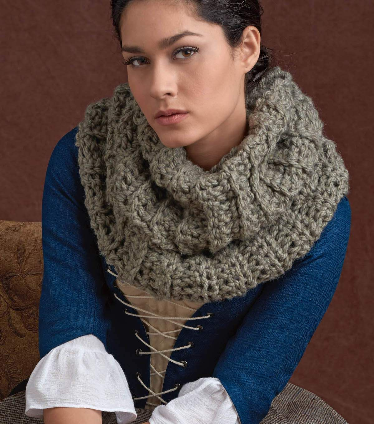 How To Crochet a Highlander Crochet Cowl | Crocheted Scarves, Shawls ...