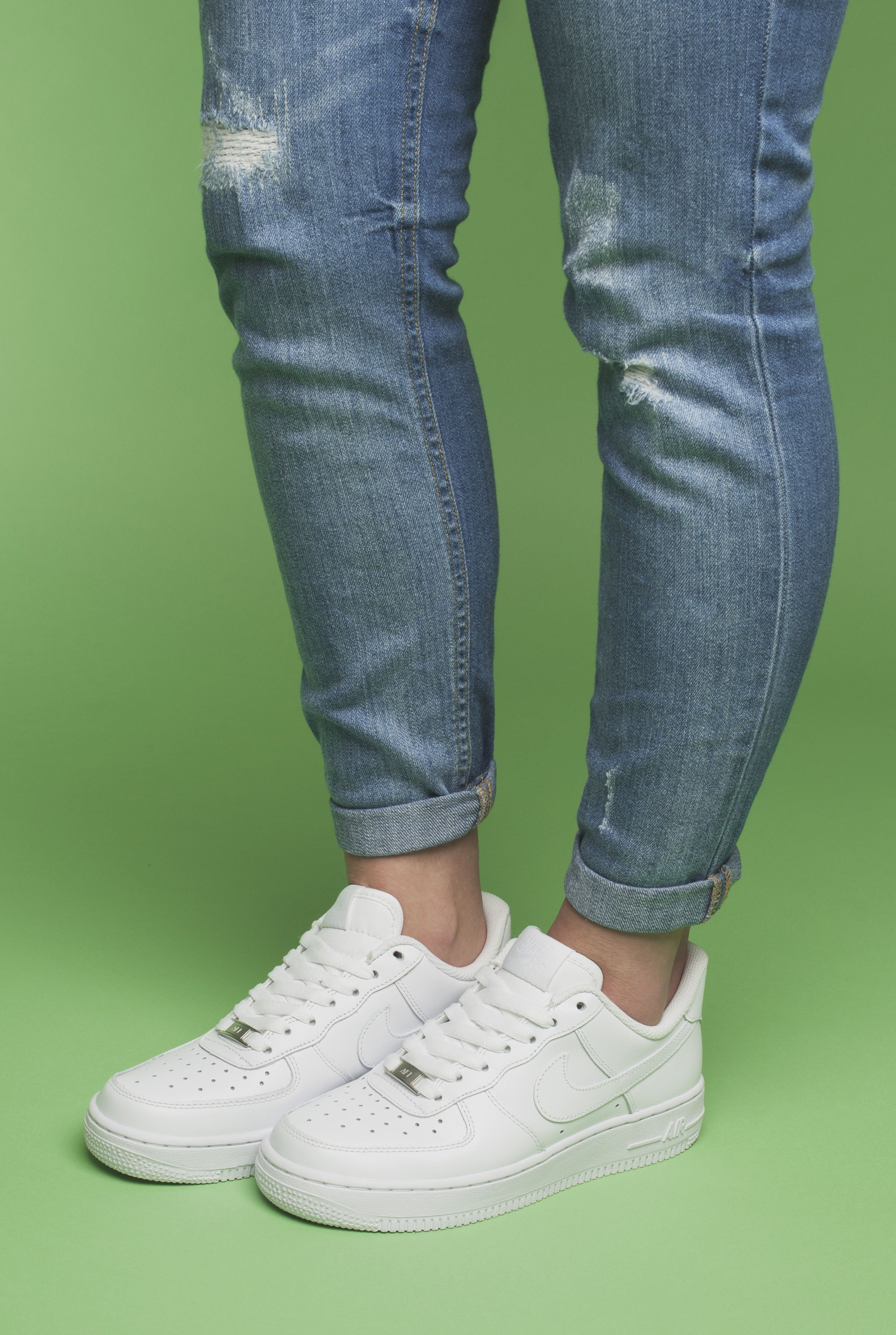 5c5a69f47d27 The Nike Air Force 1 low trainers in crisp white. Your go to summer  trainers.