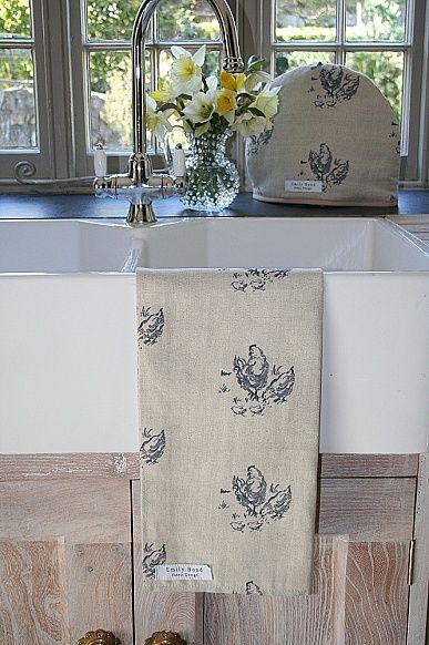 Sale Emily Bond Chickens Tea Towel And Tea Cosy Set Perfect
