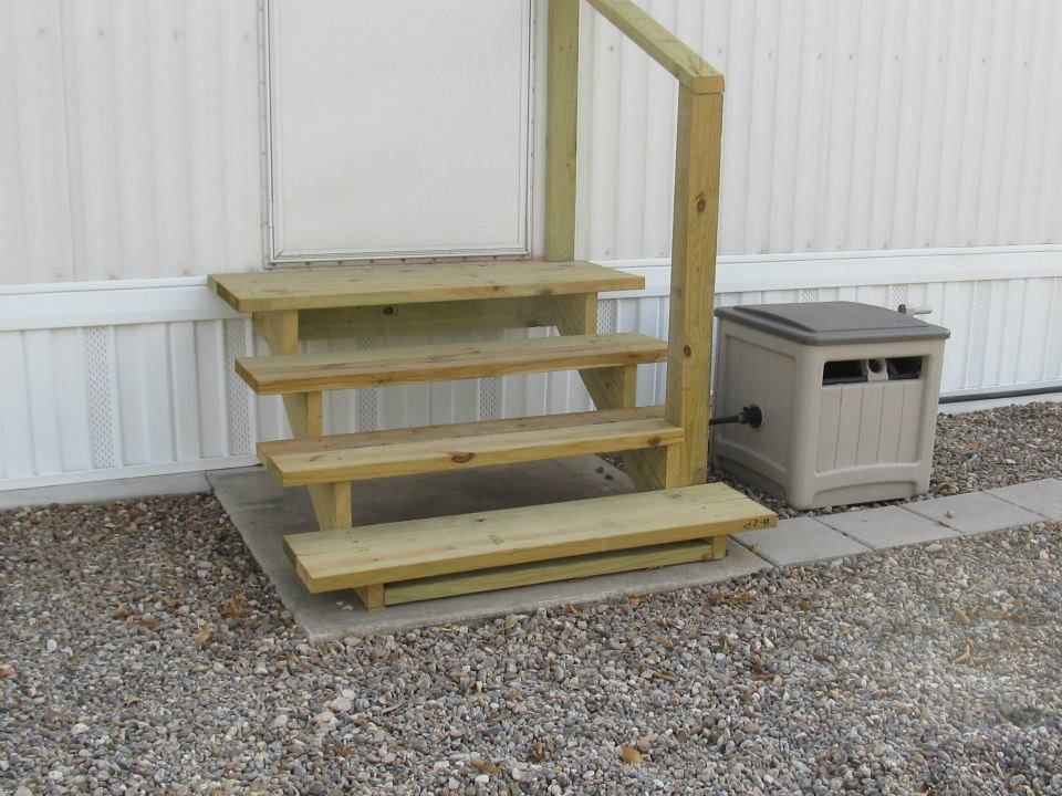 2nd Door Steps Looks Good And Easy Mobile Home Living Mobile Home Exteriors Diy Home Decor