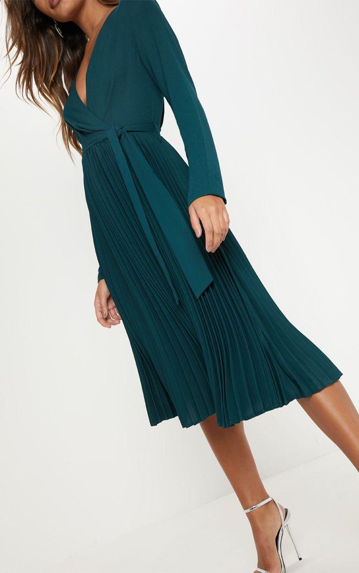 Emerald Green Long Sleeve Pleated Midi Dress 62 00 41 00 34 Off Dresses Midi Dress Pleated Midi Dress [ 1180 x 740 Pixel ]