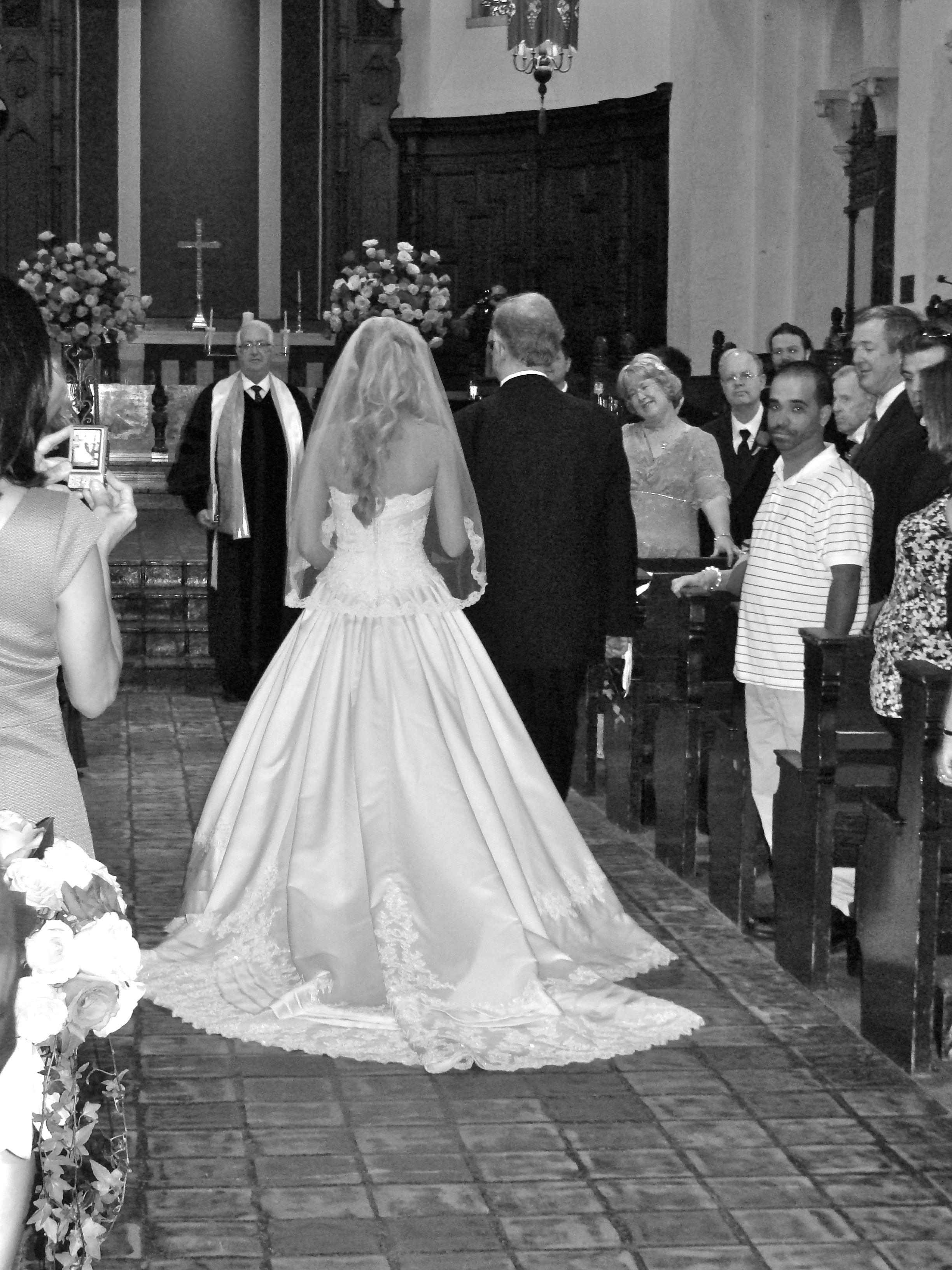 A beautiful wedding at Rollins College's Knowles Chapel!