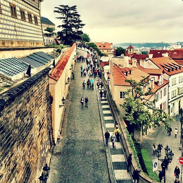 Chegamos, Praga! Vista do meu quarto ❤️ #bncviaja