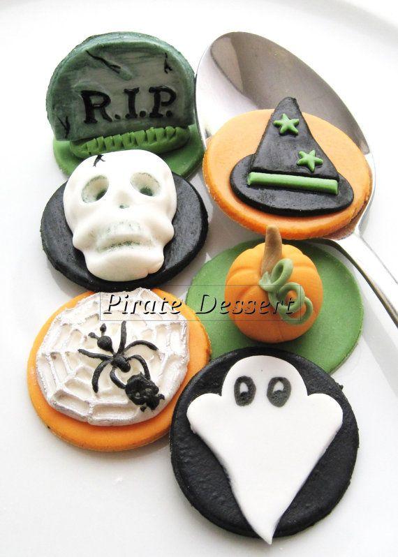 Edible Halloween cupcake toppers HALLOWEEN by PirateDessert