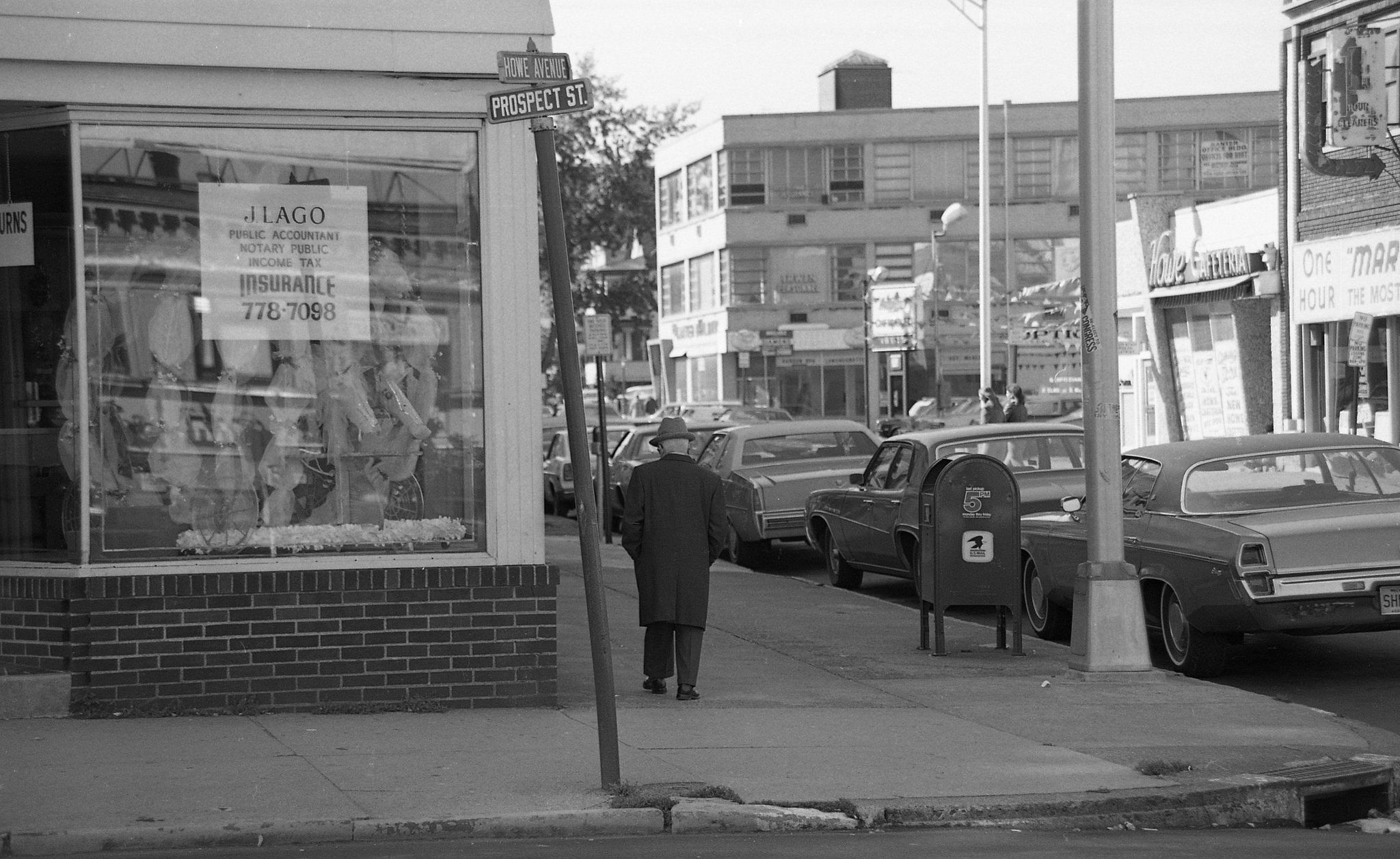 Howe Ave/City Line Bus stop to the right Street scenes