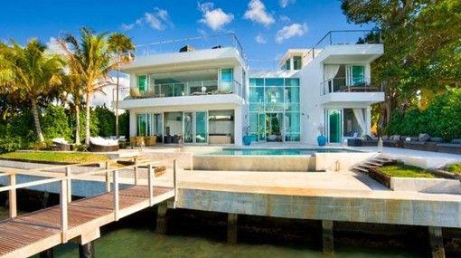 Espectacular casa frente al mar con piscina modelos de for Modelos de piscinas campestres