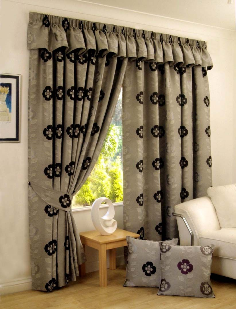 Brown curtains designs for living room - Interior Elegant Curtains Design For Modern Room Decoration Design Modern Window Motived Curtain And Self Colord With Cushion For Elegant