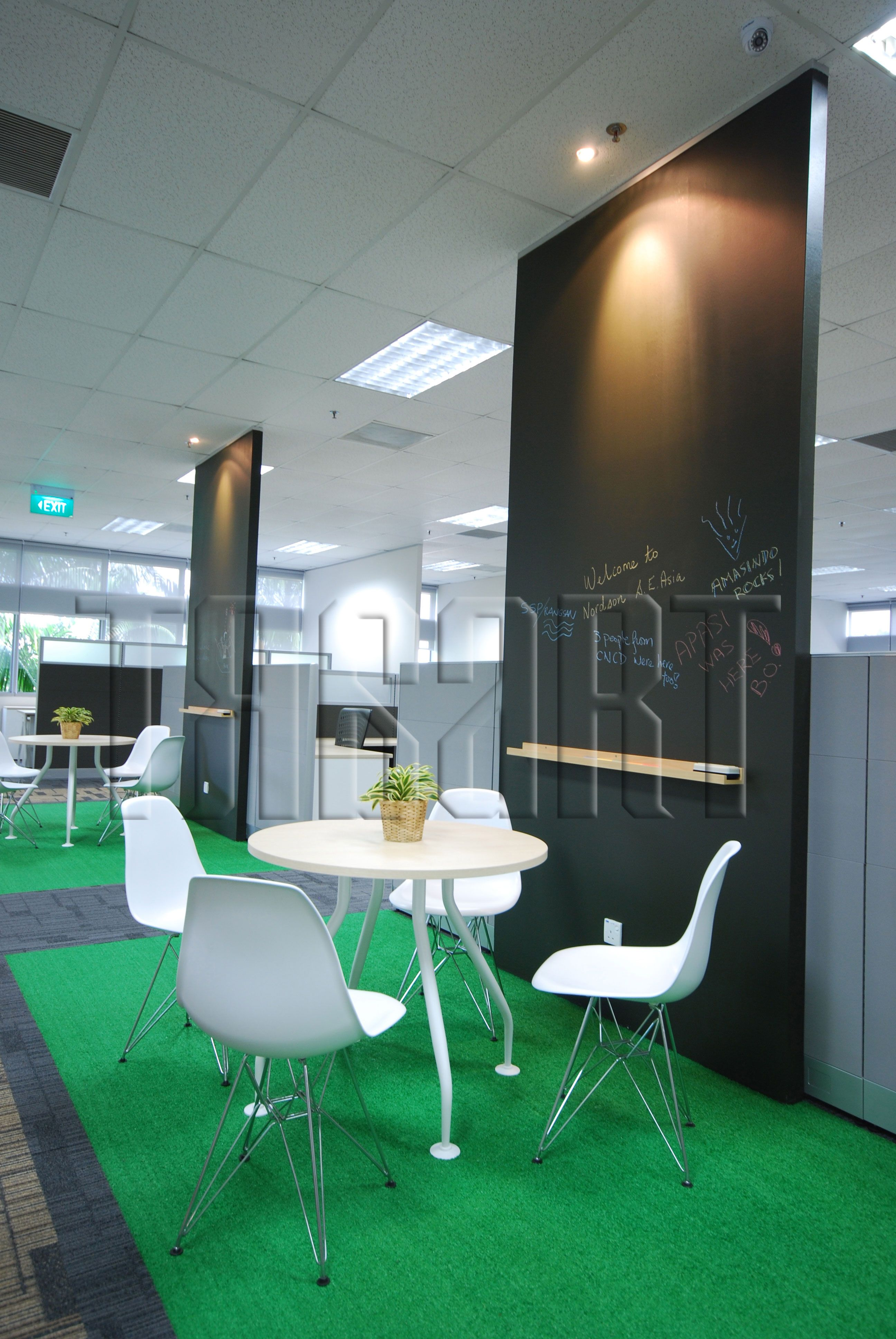 Brainstorming Area Suitable For 2 To 4 Pax With A Chalk Board To