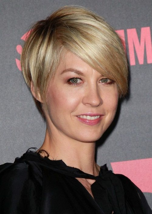 Hairstyles For Fine Thin Hair a bob haircut can be great for both a sophisticated and youthful look depending on the makeup and other attire that is matched with it Short Haircuts Straight Hair Cowlick Pictures Of Short Hairstyles 2013 Women Hairstyles Ideas
