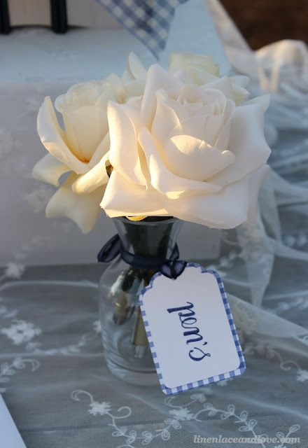 diy flower pens perfect for a bridal shower wedding and give as party favors or thank you for coming gifts