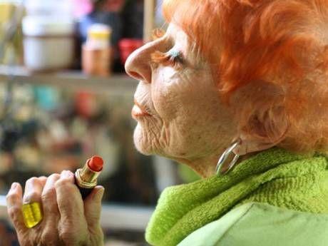 lona Royce Smithkin, 94, the oldest fashionista