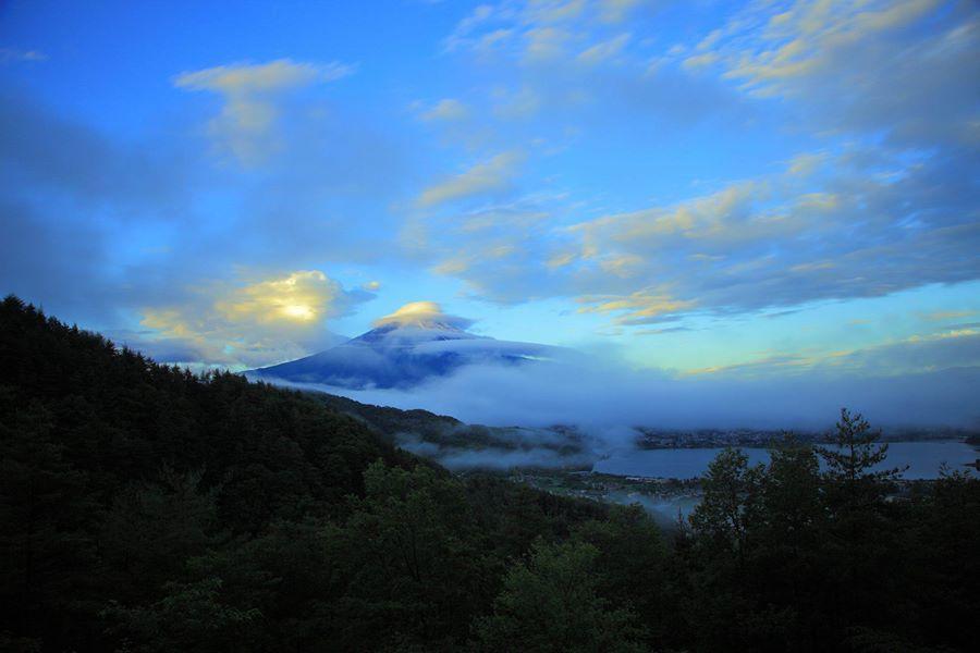 http://Buff.ly/1jhZbtG de hoy pieza aquí.  Es mañana para el tifón Oishi parque estaba esperando desde la mitad de la noche, pero Fuji moviendo tan apresuradamente llevaron uno (^-^; Publicado por :Kenichi Hayami cliente página : https://www.facebook.com/kenichi.hayami.3?fref=photo
