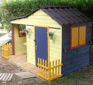 Faire soi m me une cabane en bois pour les enfants - Fabriquer une cuisine en bois pour enfant ...
