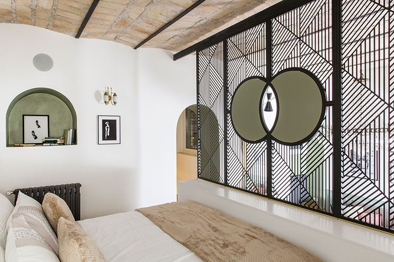 Classic frescoes and modern design extraordinary for Interior design roma