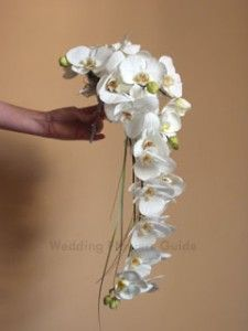 orchid bouquet, and you could off set it with a different color also... very pretty how it hangs