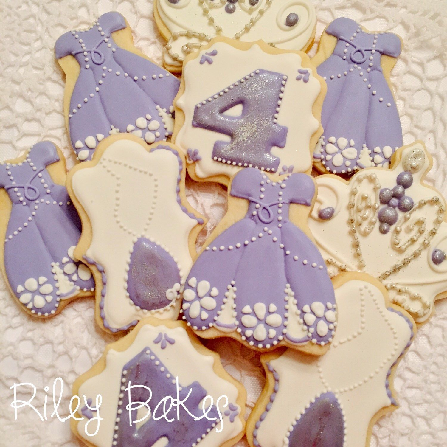 Pin By Abby Onkst On Nora S 5th Birthday: Pin By Riley Bakes On Riley Bakes