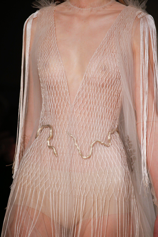 Valentino Spring 2016 Couture Fashion Show | Alta costura, Costura y ...