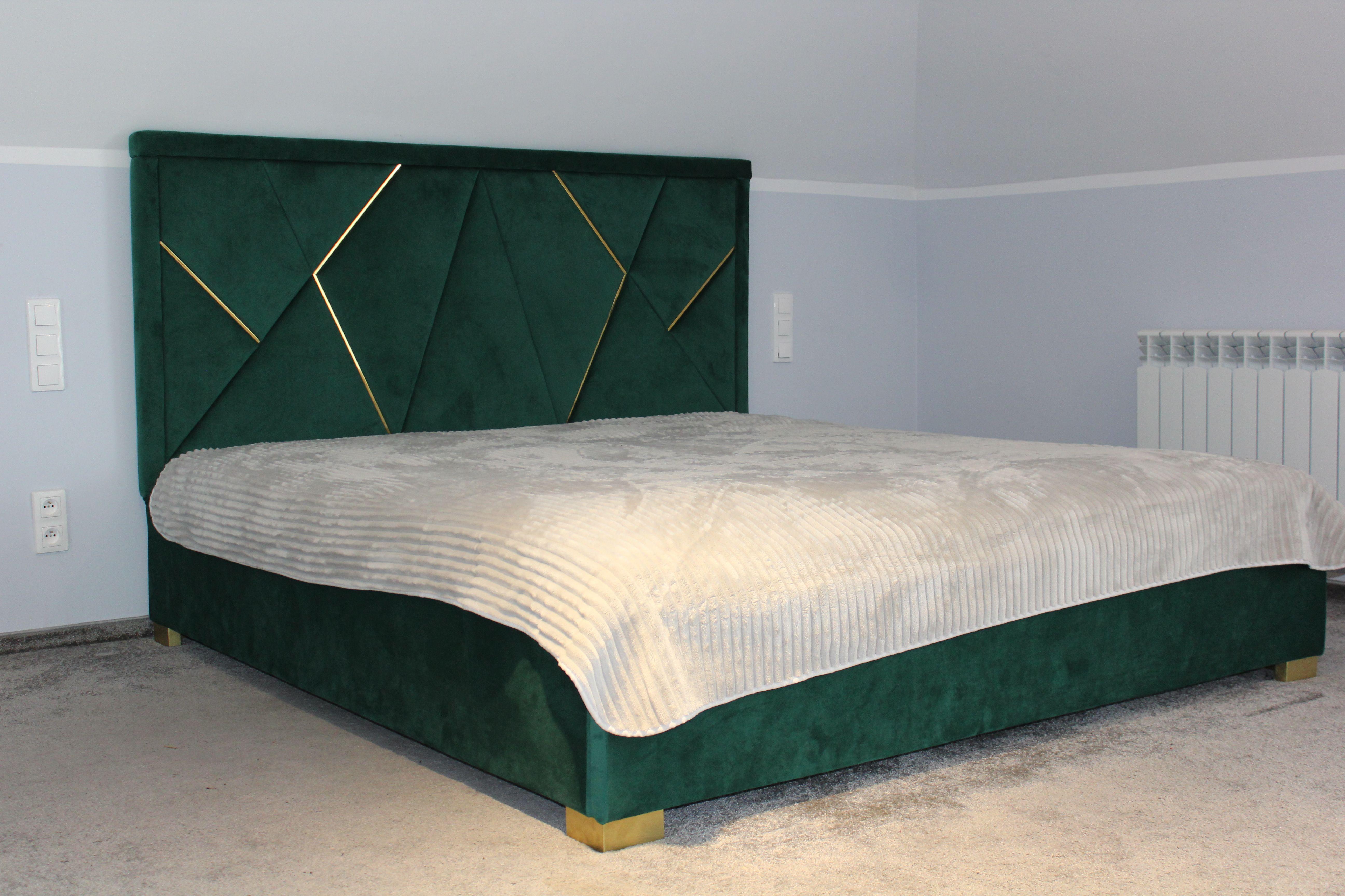 łóżko Tapicerowane I Niezwykle Eleganckie Wezgłowie Z