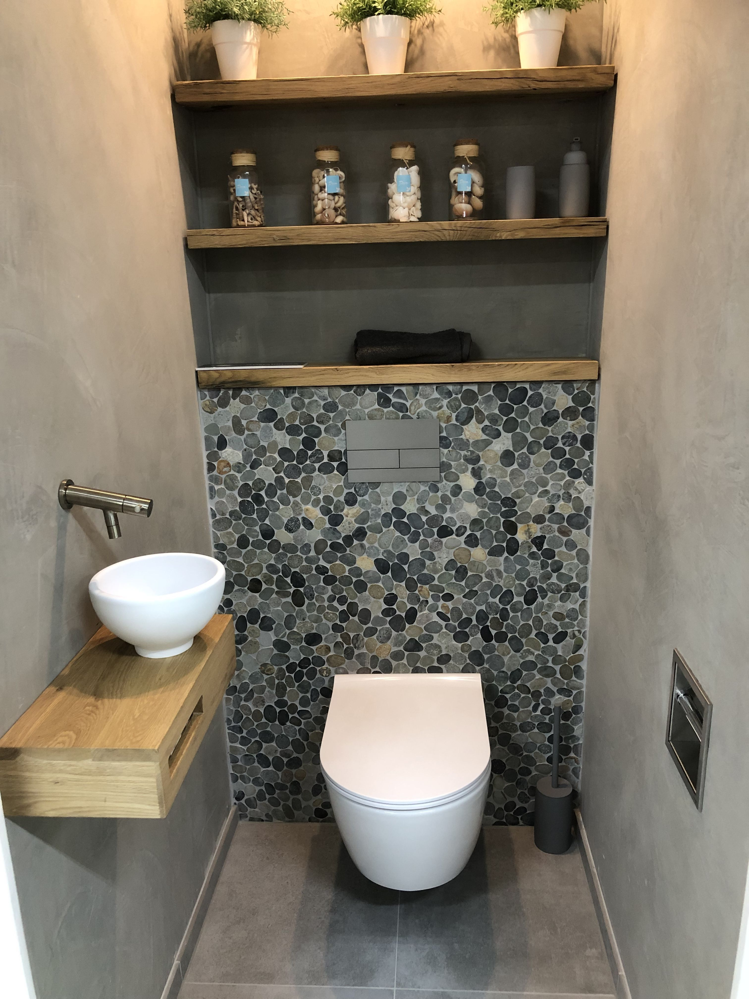 Kleine Toilette Entrance Tile #super #toilet #trendy #wcinrichting Log On Mats Are Often Taken For Granted. Well, If You… | Moderne Toilette, Wc Im Erdgeschoss, Wohnung Badezimmer
