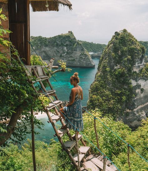 RUMAH POHON TREEHOUSE, NUSA PENIDA - The drive to Rumah Pohon treehouse is full of beautiful scenery however, the roads can get a bit rocky. When you arrive there will be a sheltered parking lot where you can park your bike, and then down the hill, you wi