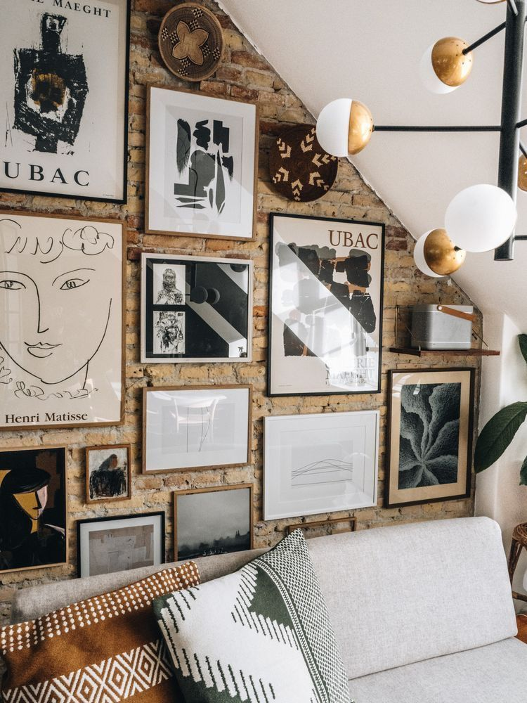 Right Wall Decoration Allows You To Create Luxury Yet Modern