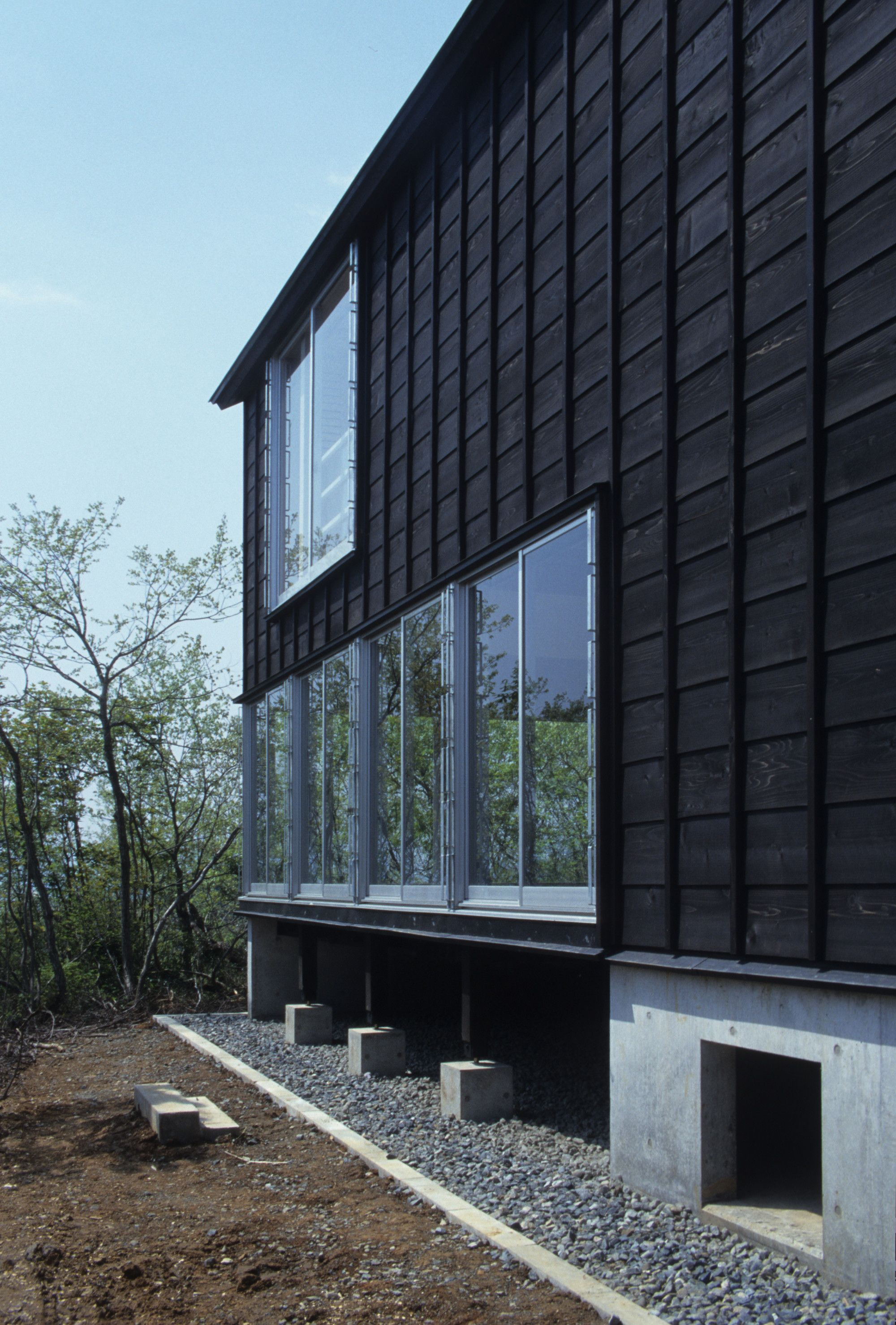 Image of from gallery cottage in tsumari daigo ishii future scape architects photograph by koji fujii also forest house peter bohlin momas geometry rh pinterest
