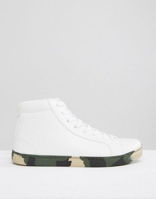ASOS | Zapatillas abotinadas blancas con suela de camuflaje de ASOS