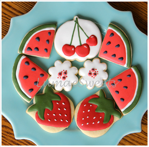 LumaeSweets - fruit platter!