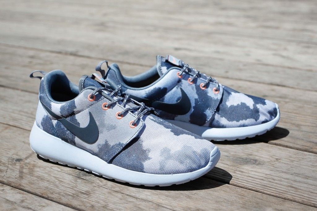 nike roshe camo Nike Roshe Run 287f886d0