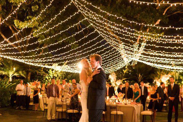 Romantic Outdoor Wedding Reception Ideas 600x400