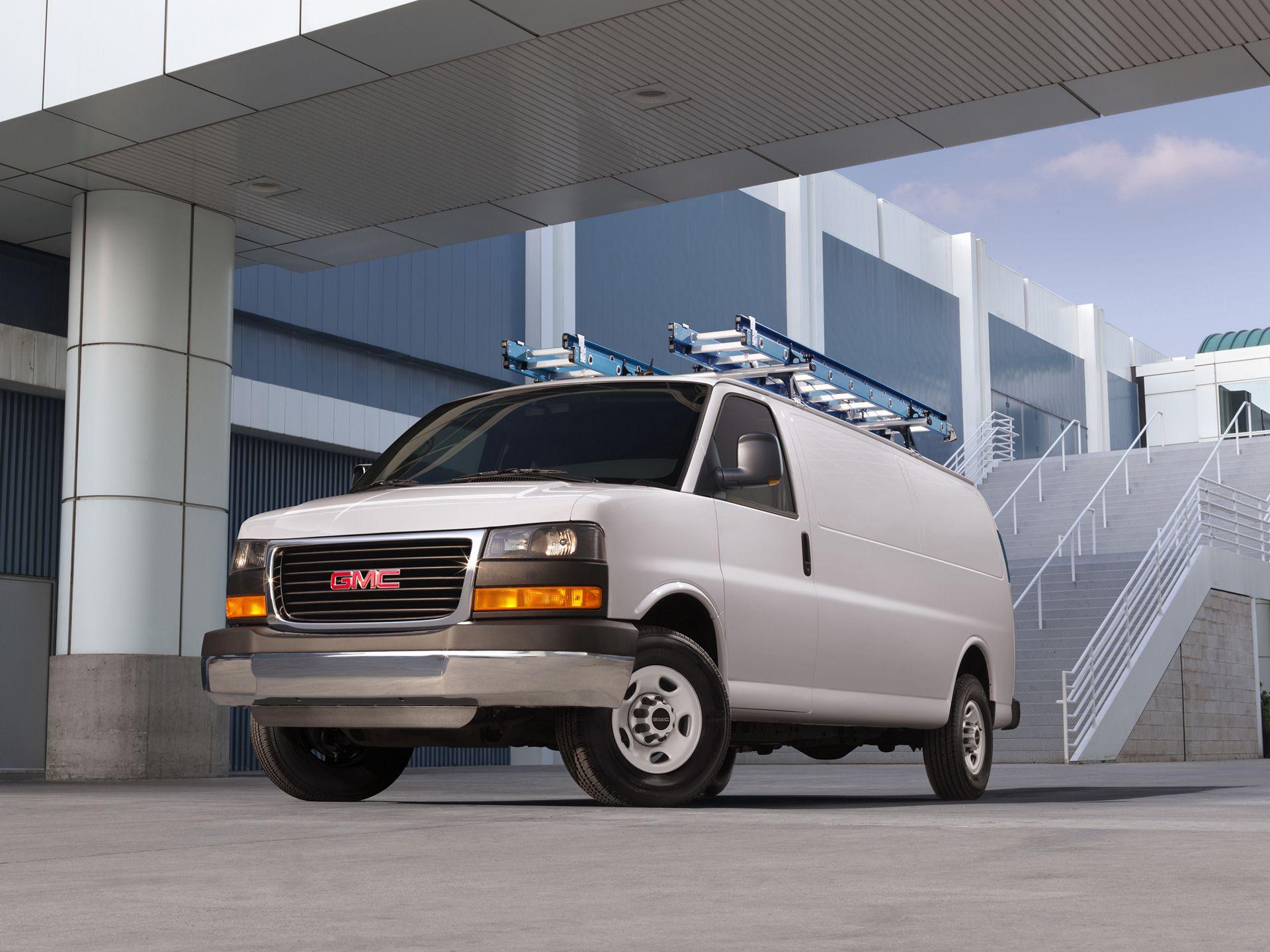 The Gmc Savana Cargo Is A Versatile Van Designed To Make Work Easier And More Gmc Gmc Vans Cargo Van