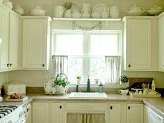 küchenvorhänge-küche-gestalten-ideen-gardinen-birnen-muster ...