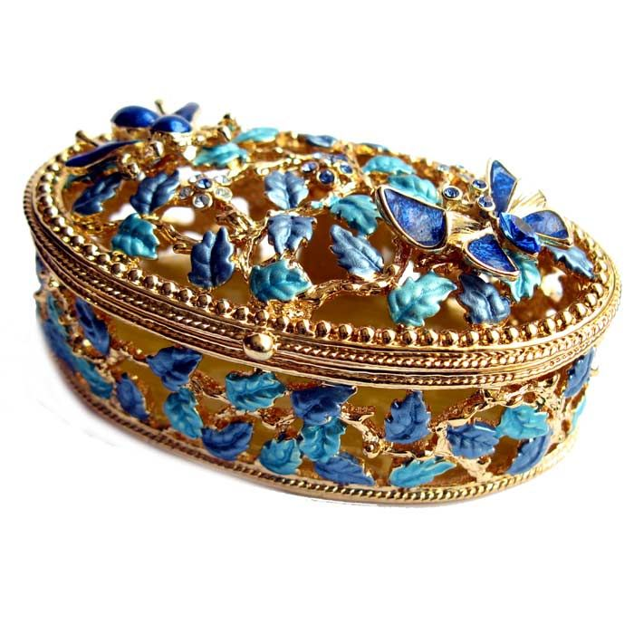 Jewellery Box Butterfly is made in old traditions by artists of Russian company AKM. The box is made of brass, gilded, enameled with several layers of multicolored enamel and it is also nicely decorated with Austrian crystals.