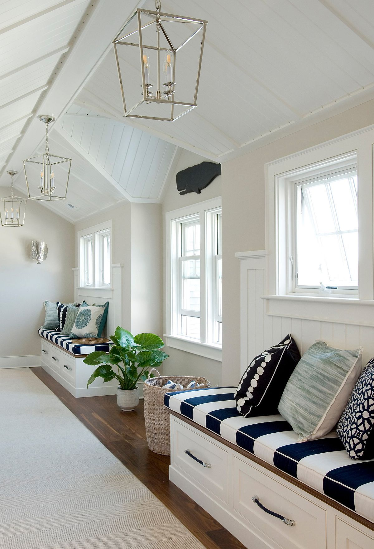Making Most Of The Hallway Decorating Ideas That Maximize Space And Style In 2020 Decor Storage Spaces Hallway Decorating