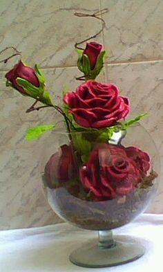 Flores Em E V A Elaine Arranjo De Rosas Vermelhas No Aquario