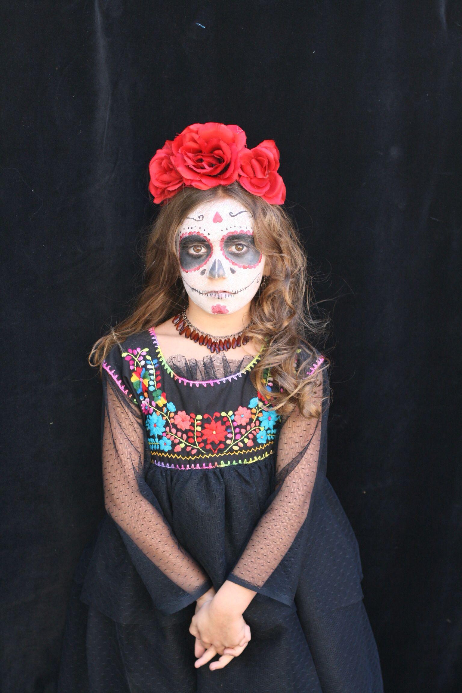 day of the dead girl costume. (dia de los muertos)   cool photos in