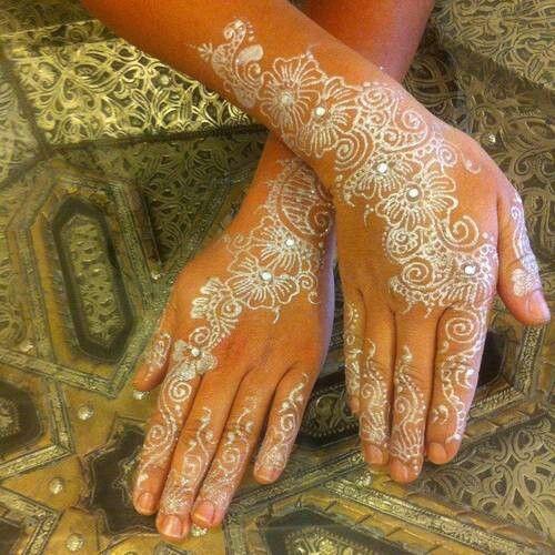 White Wedding Dress With Henna: White And Gold Wedding. Reception Look. Bridal Henna